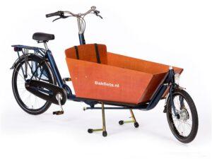 De Cargo Bike Long is de verlengde versie van de Cargo Bike Short. Extra mogelijkheden: door extra bankje ruimte voor 3 kinderen...