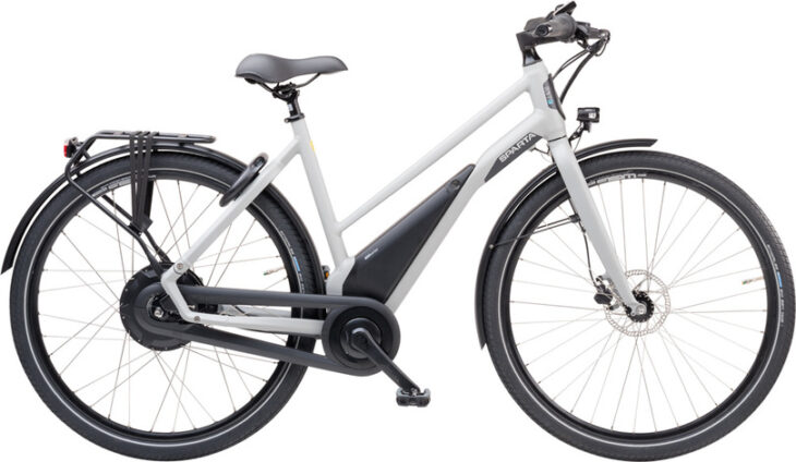 De Sparta R5Te LTD Smart is scherp geprijsd leverbaar bij de enige officiële Sparta Premium dealer van Alphen aan den Rijn; Van der Louw tweewielers.